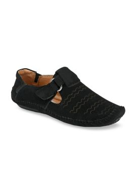 Black Fisherman Sandals