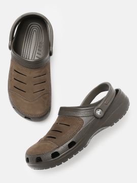 Brown Solid Clogs
