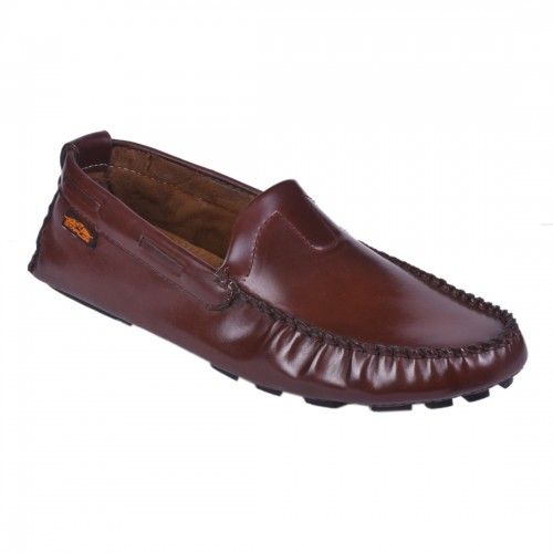 GLOSSY BROWN ELEGANT LOAFERS