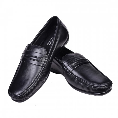 CLASSIC BLACK LEATHER LOAFERS